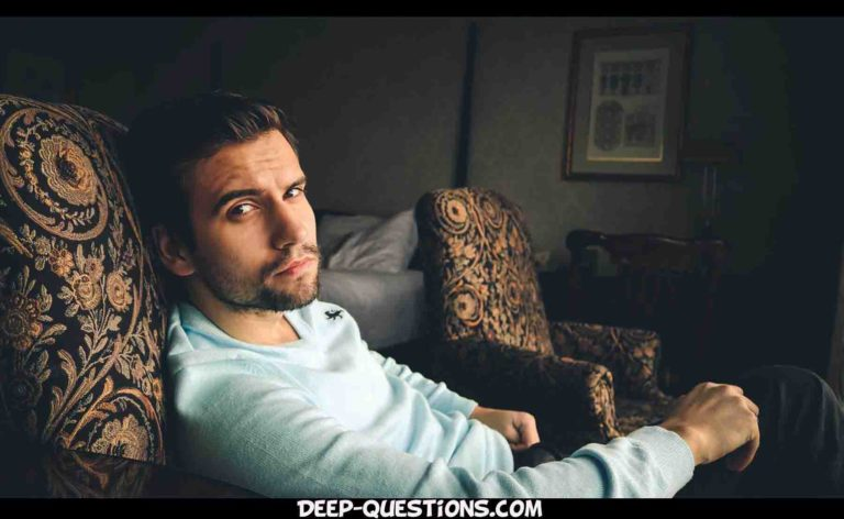 21 Questions to ask a guy you like, to know him deeply!